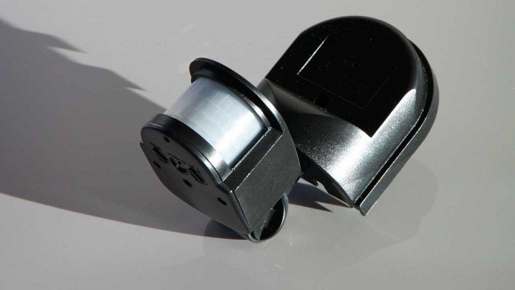 sensor de movimiento evita falsa alarma