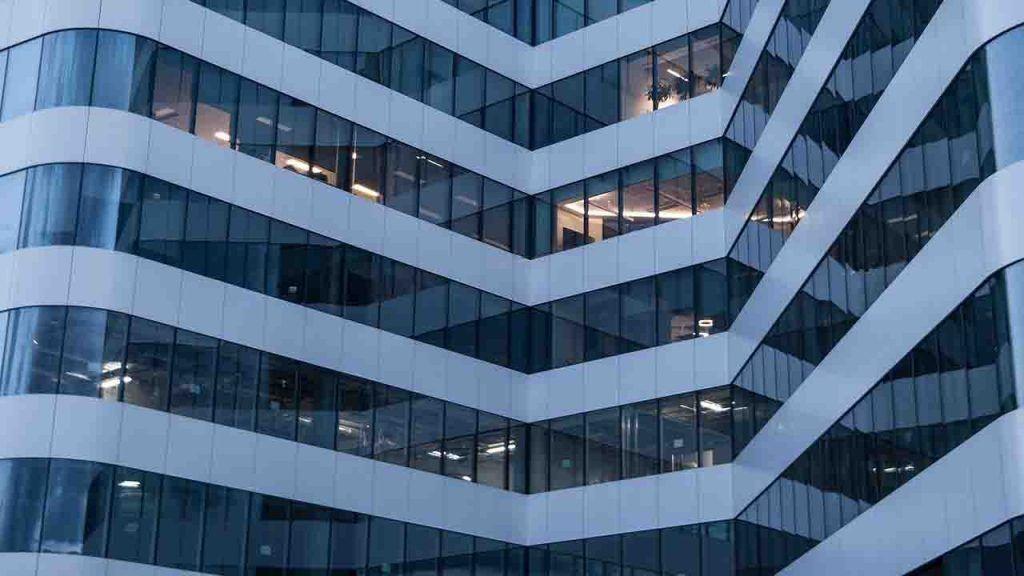 arquitectura sostenible y los beneficios de los edificios inteligentes